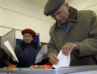 Russians elect new parliament, Putin's party expected to win