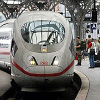 Train drivers keep on forcing Deutsche Bahn to increase wages