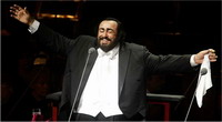 World deplores Pavarotti