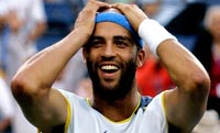 James Blake loses to Fernando Gonzalez at Australian Open