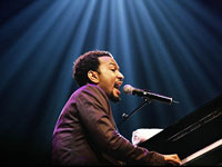 John Legend performs in his hometown, still remember Jason Collier