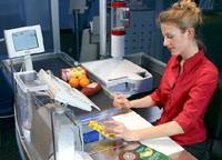 U.S. retail economy goes slow