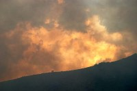 Fast-moving wildfire in USA kills 3 persons