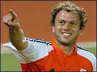 De Nooijer wins best player award
