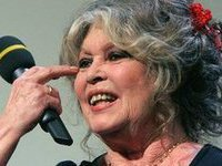 Brigitte Bardot to move to Russia to save French elephants. 49026.jpeg