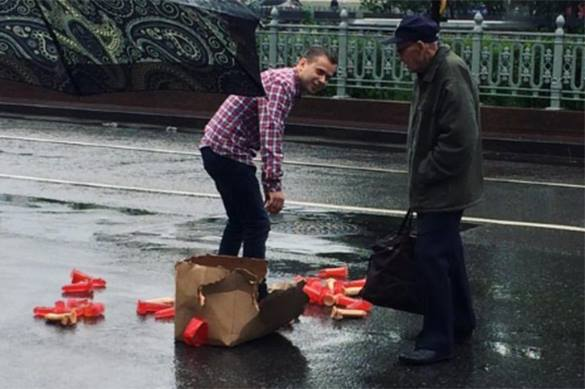 Box of dildos stops traffic in downtown Moscow. 58028.jpeg