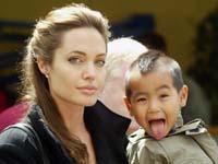 Angelina Jolie seeks to change son's last name to Jolie-Pitt