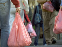 Woman keeps her new-born daughter in 2 plastic bags