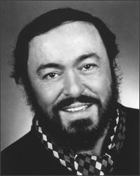 Thousands queue to pay respects to Pavarotti