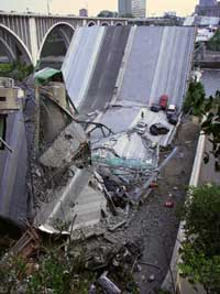 Removal of debris of collapsed Minnesota bridge to begin