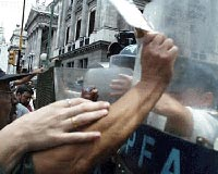 Argentine teachers clash with police