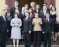 G-8 supports further measures to halt Iranian enrichment program