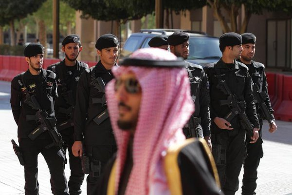 Saudi Security Forces arrest or sent to exile around 174 000 in a month. 55046.jpeg