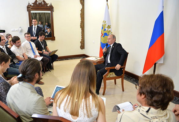 Putin insists Donbas special status should be implemented in Ukrainian constitution. Vladimir Putin