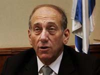 Billionaire philanthropist, riding wave of popularity, takes on Israeli government