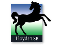 Lloyds income rises 9%