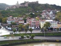 Georgians choose 'tulips' instead of violence