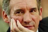 Heavily courted Bayrou to speak out on French presidential runoff