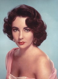 Court dismisses lawsuit against Elizabeth Taylor