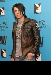 Criss Angel abandons his wife as he becomes famous