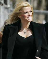 Appeals court set to hear arguments in dispute about Anna Nicole Smith's burial