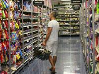 Consumer confidence falls in U.S