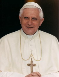 Pope Benedict makes ritual feet wash of 12 men