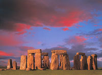 Summer solstice: The birthday of the night and Stonehenge