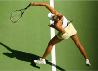 Sharapova reaches the Australian Open semifinals for the third year in a row