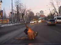Dash cam video of real Russia and its real people explodes Internet. 50099.jpeg