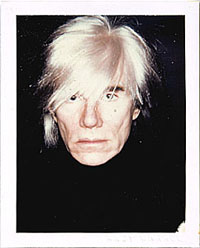 Old wig of Andy Warhol sold for more than 10 000 dollars