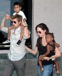 Brad Pitt, Angelina Jolie spend Thanksgiving cruising around Vietnam