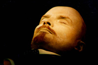 Lenin's body left with no new luxury suit because of crisis