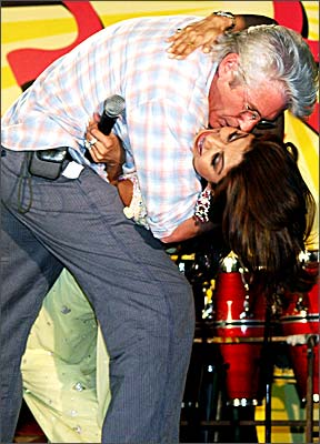 Richard Gere arrested in India for public kiss