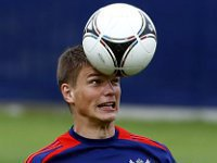Andrey Arshavin to share 50 percent of his earnings with ex-wife. 53119.jpeg