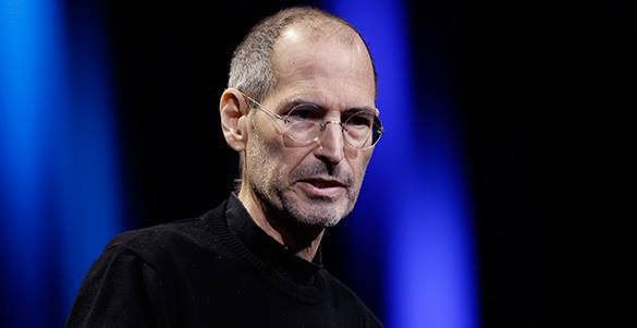 Russian monument to Steve Jobs sold at auction. Steve Jobs