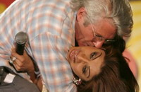 India issues arrest warrant against Richard Gere for public kiss