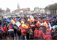 Civil servants join strikes in France