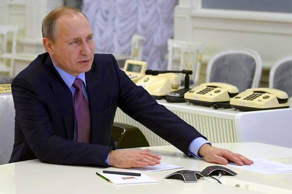 Putin: Printing money uncontrollably is very dangerous. Putin speaks about Russian economy