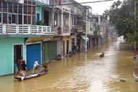 Vietnamese floods kill 67