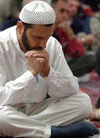 Filipino Muslims begin observing Ramadan