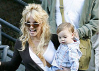 Britney Spears allowed to visit her sons