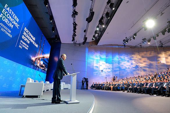 Putin speaks in Vladivostok. Everyone listens. Vladimir Putin at East Russia Economic Forum
