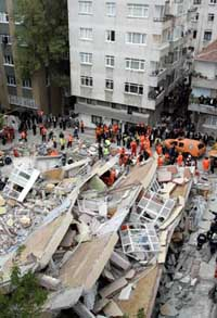 Building collapses in Istanbul; 1 person rescued from under rubble