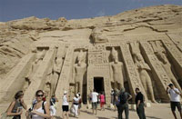 Kidnappers demand millions for foreign tourists in Egypt