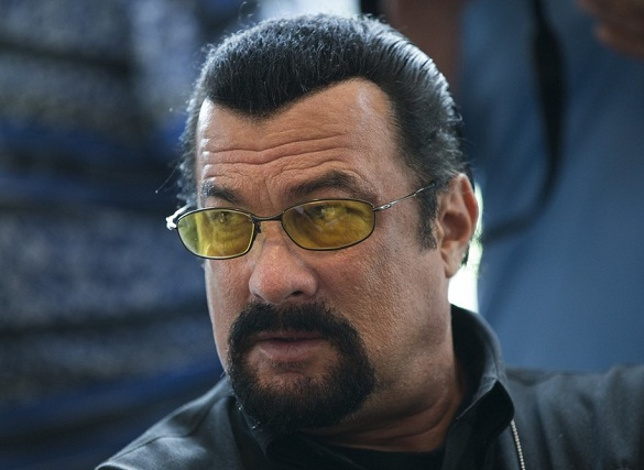Steven Seagal receives Russian citizenship on Putin's personal decision. 59172.jpeg