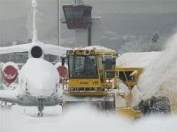 Heavy snowfall paralyzes much of European air traffic. 49177.jpeg