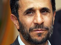 Ahmadinejad visits Armenia