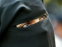 French Police Fined Driver Wearing Islamic Face Veil