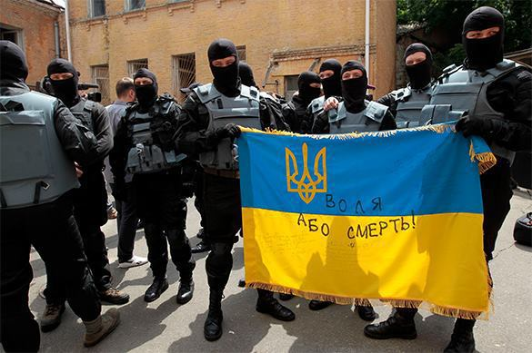 Ukrainian partisans lynch those who earned money by killing in Donbass. 58186.jpeg